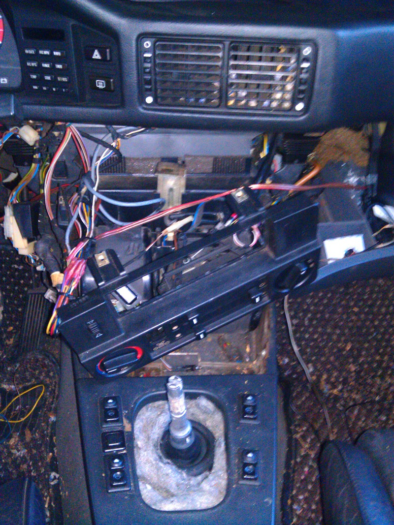 Bmw 525 Wiring Diagrams besides 2005 Bmw 545i Fuse Box Diagram likewise 2008 Bmw 535xi Fuse Box Diagram in addition 2007 Bmw X3 Radio Wiring Diagram also 2004 Bmw 745i Fuse Box Diagram. on discussion t37636 ds440635